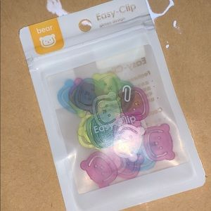 Other - Cute bear paper clips - brand new pack